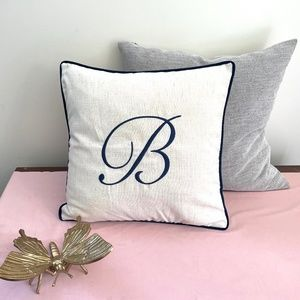 """🎁 NEW """"B"""" Monogram Accent Pillow Cover in Navy"""